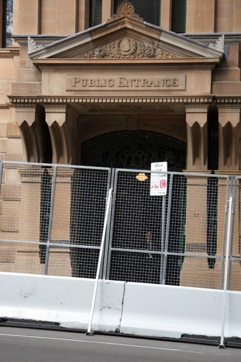 Public_entrance_apec_style_7